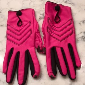Tech hot pink gloves